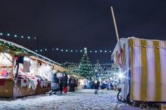圣诞节市场在塔林 免版税库存图片