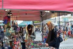 圣诞节市场在布鲁塞尔的中心 免版税库存图片