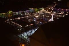 圣诞节市场在锡比乌,罗马尼亚,看法从上面 库存图片