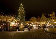 圣诞节市场在Tallilinn老城镇 库存照片
