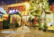 圣诞节市场失去作用在里加大教堂正方形 免版税库存图片