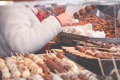 圣诞节市场花梢可口食物选择 许多糖果 免版税库存图片