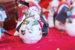 圣诞节市场雪人特写镜头 免版税库存图片