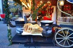圣诞节市场食物立场布达佩斯 免版税库存照片