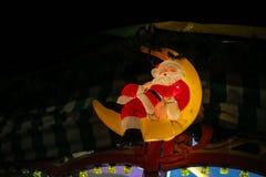 圣诞节带领了霓虹灯星和xmas树在历史cit 免版税库存照片
