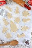 圣诞节形状曲奇饼面团 库存照片