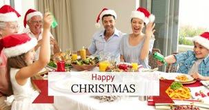 圣诞节快乐发短信和食用多一代的家庭食物4k 股票录像