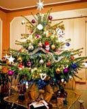 圣诞节我的投资组合结构树向量版本 圣诞节装饰装饰新家庭想法 圣诞节新年度 免版税库存照片