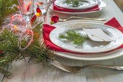 圣诞节或新年晚餐的欢乐餐位餐具 库存照片