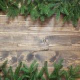 圣诞节或新年装饰背景 杉树在与拷贝空间的木背景分支 模式 库存照片