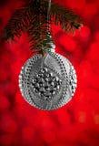 圣诞节或新年装饰背景:圣诞节银色ba 库存照片