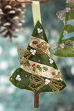 圣诞节手工制造结构树 图库摄影