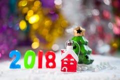 圣诞节扶植在圣诞节雪原背景w的装饰 免版税图库摄影