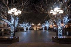 圣诞节抵达了对这个正方形金丝雀码头 免版税库存图片