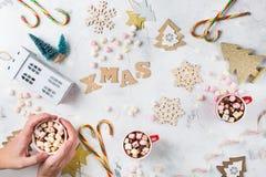 圣诞节新年与欢乐装饰的假日背景 免版税库存照片