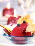 圣诞节无核小葡萄干红色冰糕 免版税库存图片