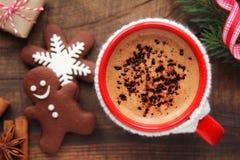 圣诞节早晨咖啡和曲奇饼 免版税库存照片
