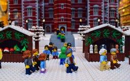圣诞节时间在lego城市 免版税库存图片