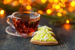 圣诞节时间放松和茶 免版税库存照片
