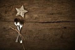 圣诞节晚餐土气背景 免版税库存照片