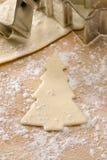 圣诞节曲奇饼切割工形状结构树 免版税库存图片