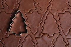 圣诞节曲奇饼切割工结构树 免版税库存照片