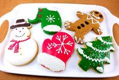 圣诞节曲奇饼;雪人,圣诞树,姜面包人 免版税库存图片