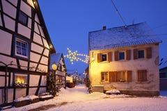 圣诞节村庄在晚上,德国 免版税库存图片