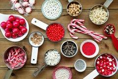 圣诞节杯形蛋糕装饰 免版税库存图片
