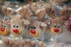 圣诞节棒棒糖在圣诞节市场上 图库摄影
