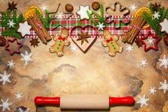 圣诞节概念用曲奇饼 免版税库存照片