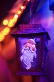 圣诞节欢乐光圣诞老人灯笼灯 免版税库存图片