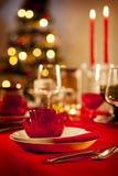圣诞节正餐空的表 免版税库存照片