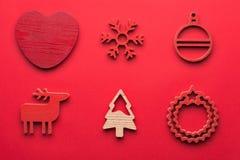 圣诞节汇集、礼物和装饰装饰品,在蓝色背景 摄影蒙太奇 在视图之上 免版税库存图片