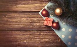 圣诞节泡影和分支 库存图片