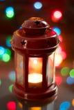 圣诞节灯笼有五颜六色的背景 免版税库存照片