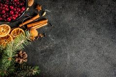 圣诞节烘烤和饮料的成份 免版税库存图片