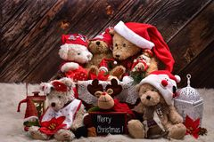 圣诞节玩具熊与愿望的家庭静物画用英语 免版税库存照片