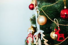 圣诞节玩具驱动 圣诞节elkay 圣诞节礼品隔离白色 库存图片