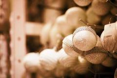 圣诞节球在超级市场 免版税库存照片