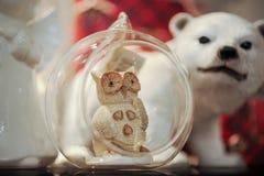 圣诞节球照片与猫头鹰的 免版税库存图片