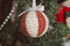 圣诞节球Diy 库存照片