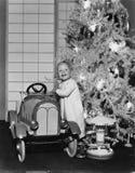圣诞节的一辆新的汽车(所有人被描述不更长生存,并且庄园不存在 供应商保单将有 免版税库存照片