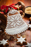 圣诞节的姜饼响铃 图库摄影