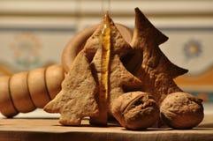 圣诞节的姜饼 蜂蜜和模子蛋糕的 免版税库存照片