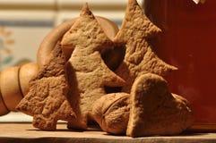 圣诞节的姜饼 蜂蜜和模子蛋糕的 免版税图库摄影