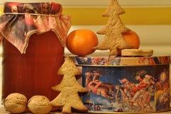 圣诞节的姜饼 蜂蜜和模子蛋糕的 免版税库存图片