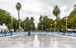 圣诞节的滑冰场公平地在塞维利亚,西班牙 库存图片