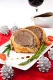 圣诞节的牛肉惠灵顿 免版税库存照片