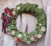 圣诞节的花圈沙拉 免版税库存照片